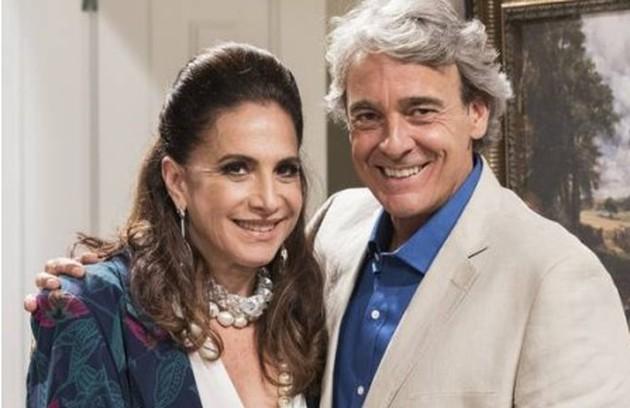 Mercedes (Totia Meireles) e Quinzão (Alexandre Borges) ficarão um tempo separados, mas acabarão a trama juntos e pobres (Foto: TV Globo )