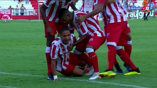 Autor de gol histórico no Náutico, Thiago ganha confiança e revela dispensa no Sport