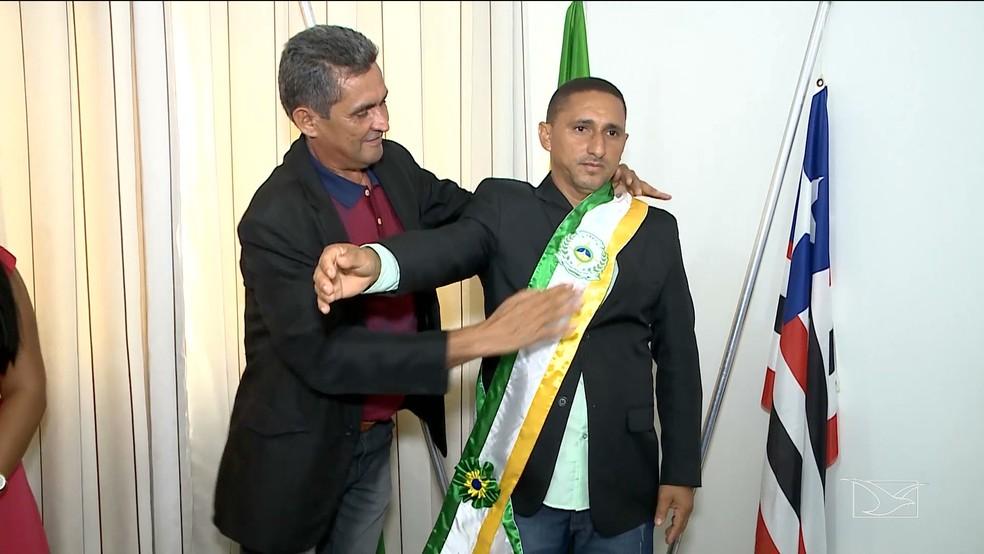 Raimundo Nonato (PRB) assumiu prefeitura de Davinópolis — Foto: Reprodução /TV Mirante