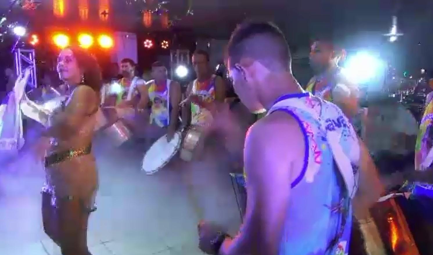 Escola de Samba Unidos do Morro abre o Carnaval 2020 em Cruzeiro do Sul, no AC
