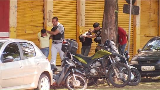 Funcionários e clientes dos Correios ficam mais de quatro horas em poder dos bandidos