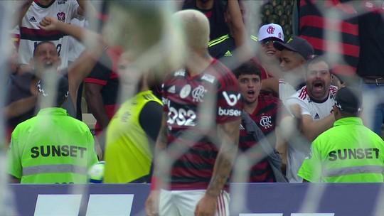 Gabigol faz golaço para o Flamengo diante do Santos