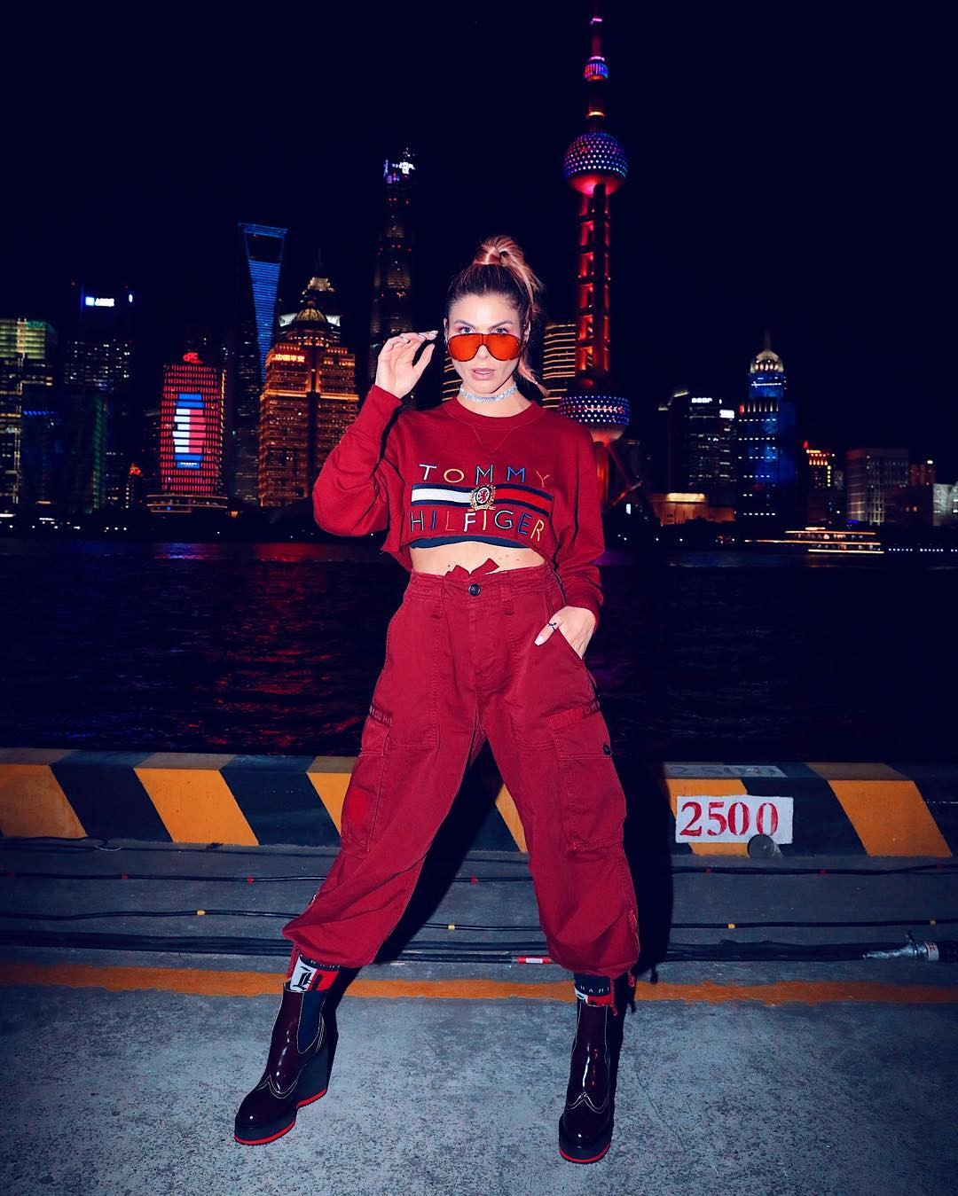Julia Faria na China (Foto: Reprodução / Instagram)