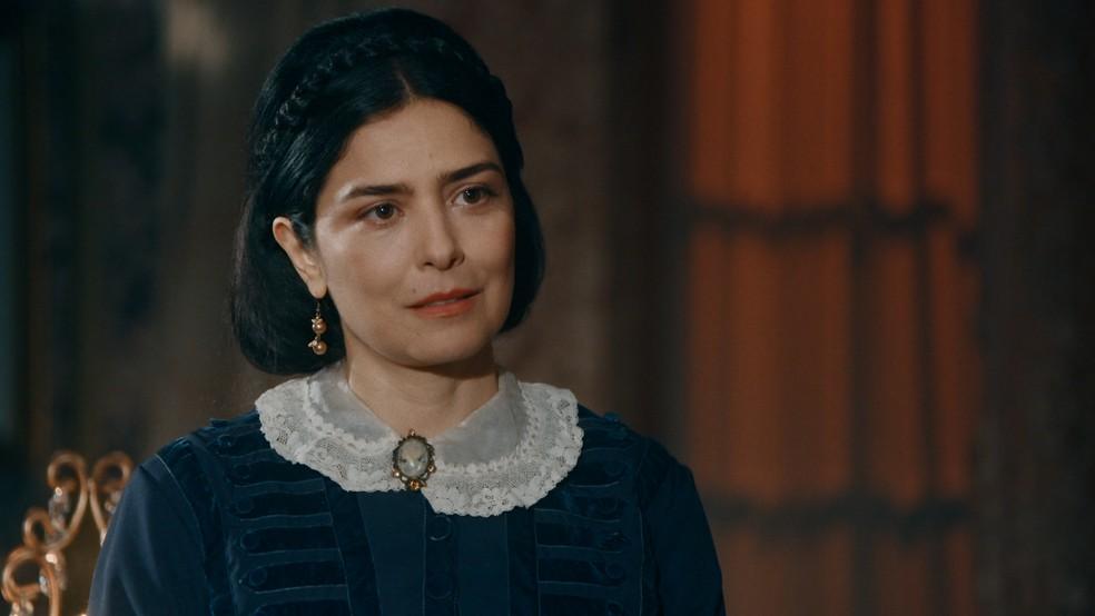 Teresa Cristina (Leticia Sabatella) confrontará Pedro II (Selton Mello) em 'Nos Tempos do Imperador' — Foto: Globo
