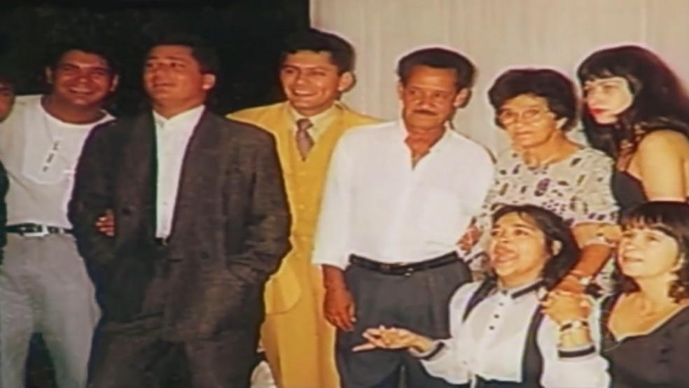 Leandro, Leonardo e família, em Goiás (Foto: Reprodução/TV Anhanguera)