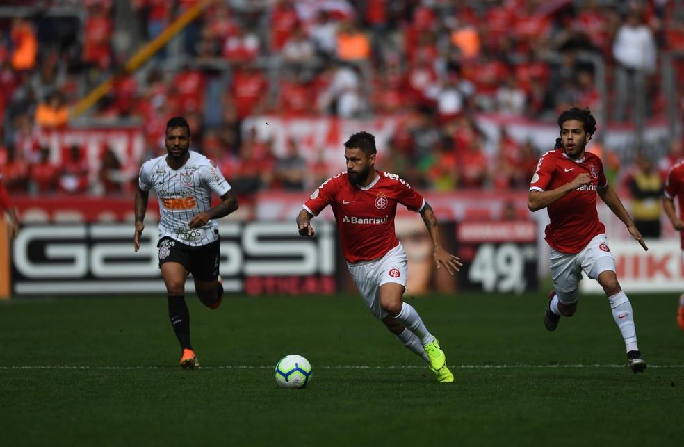 Sobis em ao pelo Inter contra o Corinthians  Foto Ricardo DuarteDivulgao Inter