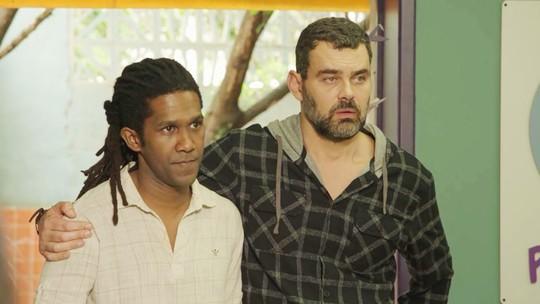 Rafael revela para todos que a ONG está com problemas financeiros