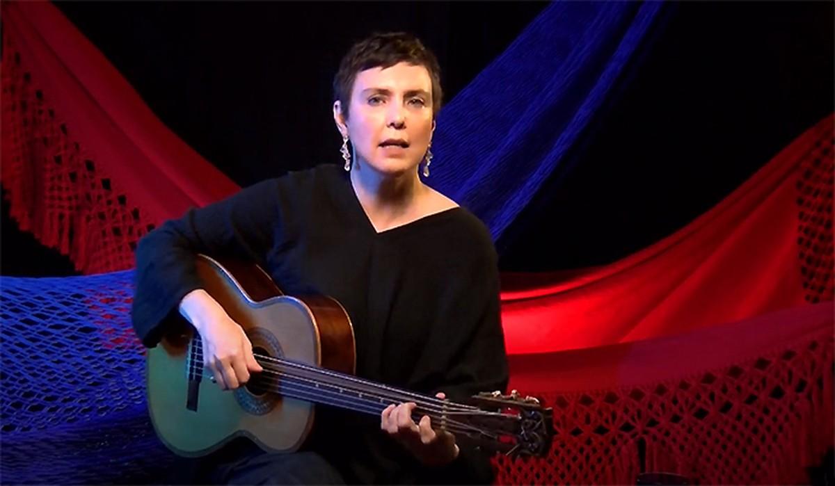 Adriana Calcanhotto apresenta canção inédita de 'disco emergencial' em live com hits e gatos | Blog do Mauro Ferreira