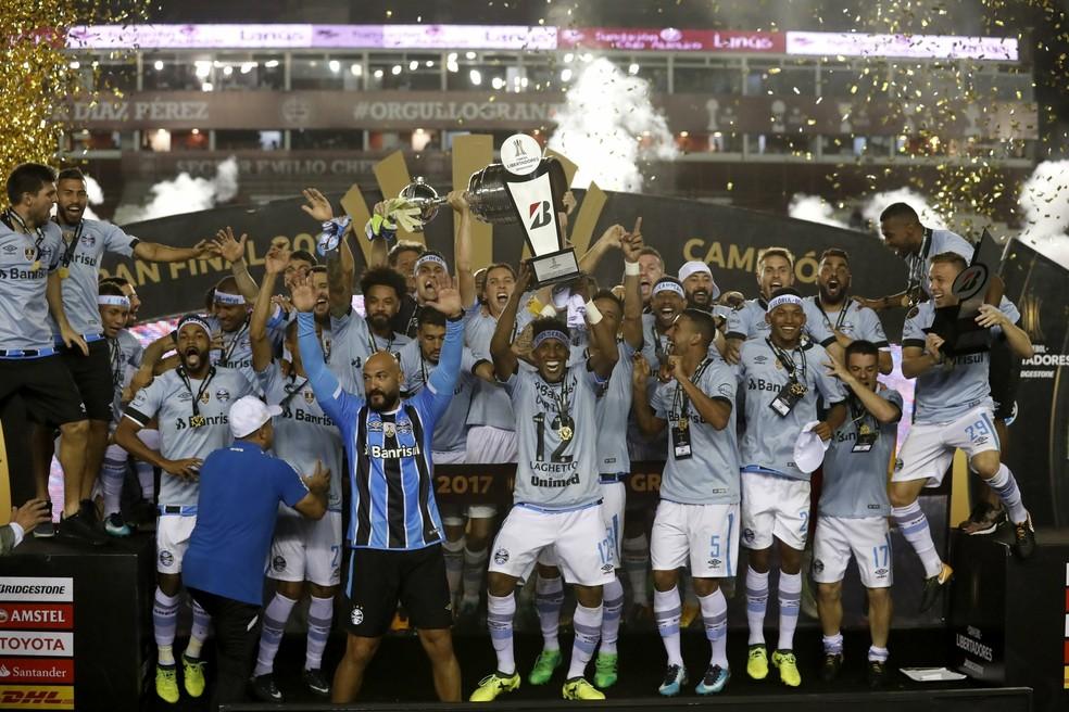 Campeão da Libertadores em 2017, Grêmio pode ter vaga garantida em novo Mundial — Foto: EFE/David Fernández