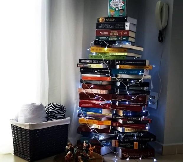 árvore de livros (Foto: Acervo pessoal/Reprodução)