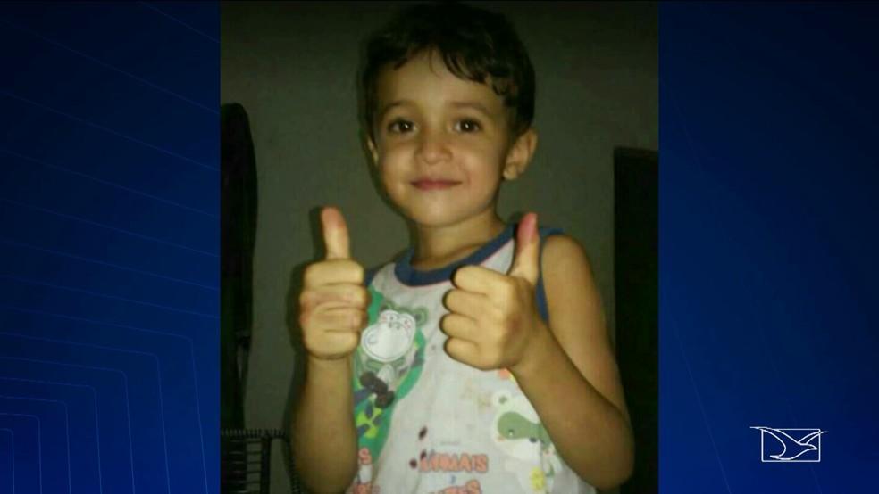 Gustavo de oito anos morreu afogado após ser arrastado pela correnteza. (Foto: Reprodução/TV Mirante)