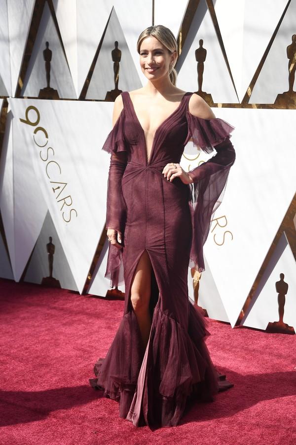 A vencedora de Emmy Renée Bargh veste Pallas Couture  (Foto: Getty Images)