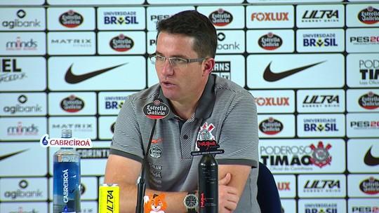 """Loss admite falta de força no ataque no Corinthians sem centroavante: """"Os adversários começam a se adaptar"""""""