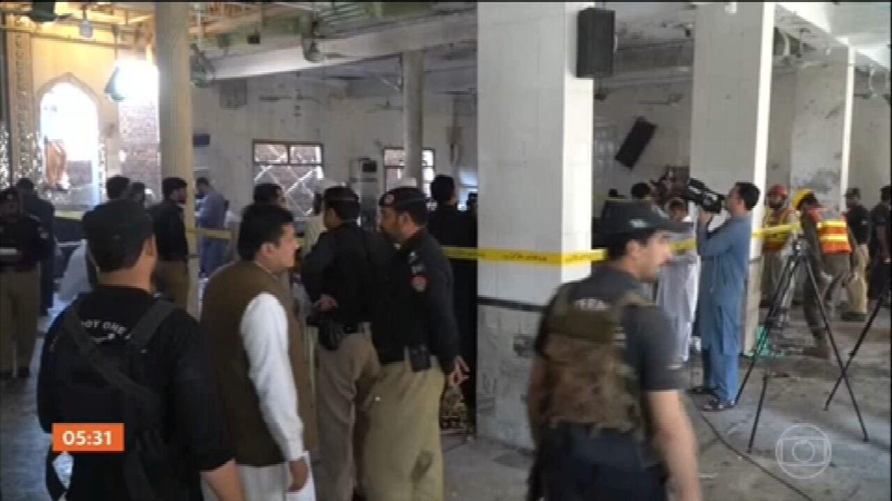Explosão de bomba mata pelo menos sete pessoas em seminário muçulmano no Paquistão