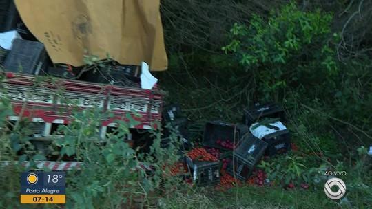 Motorista morre em acidente entre dois caminhões na BR-290, em Santo Antônio da Patrulha