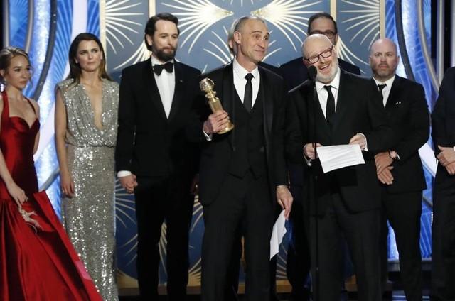 Equipe de 'The americans' no Globo de Ouro (Foto: Reuters)