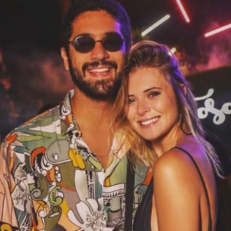 Miguel Rômulo e a namorada (Foto: Reprodução)