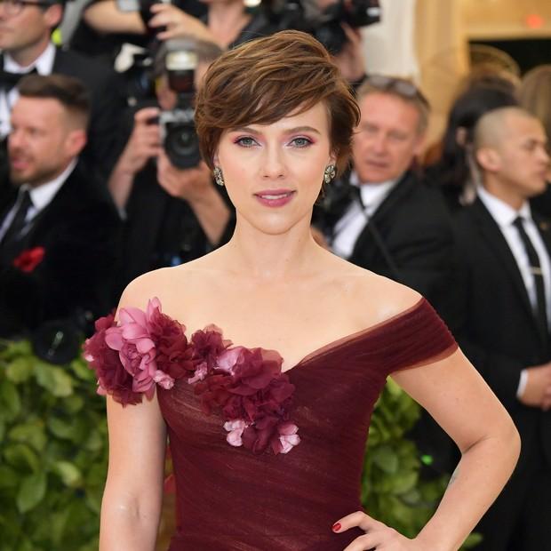 A atriz Scarlett Johansson no Baile do MET, em maio deste ano (Foto: Getty Images)