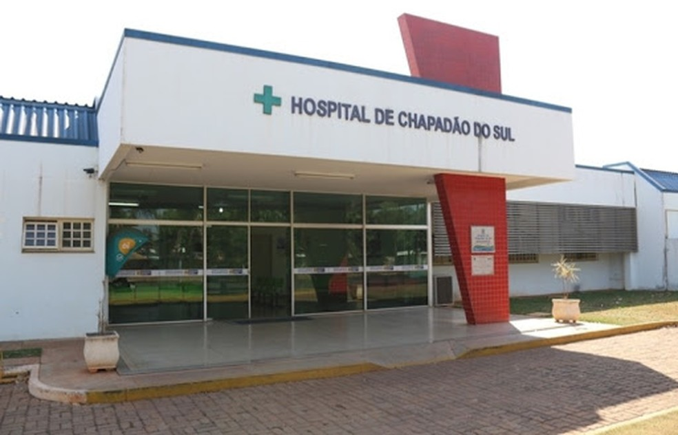 Mulher está internada em estado grave no hospital de Chapadão do Sul (MS). — Foto: O Correio News