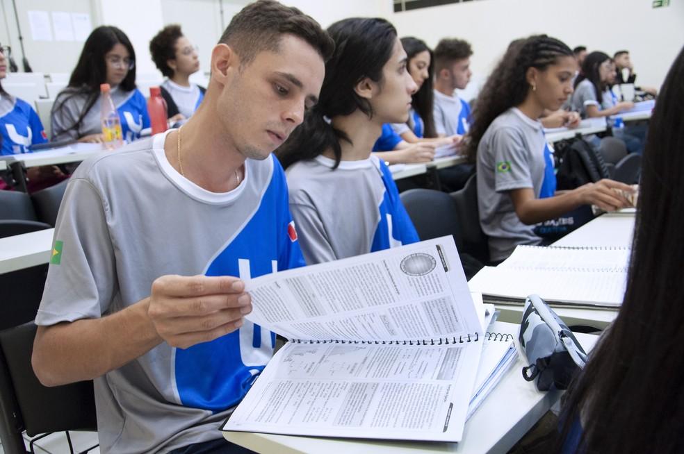 Cursinho popular da Fiec oferece 120 vagas para estudantes do ensino médio — Foto: Juliana Wolf