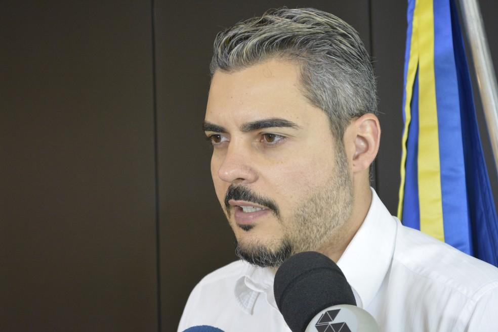 Prefeito de Ariquemes, Thiago Flores, anunciou cancelamento da festa nesta semana (Foto: Diêgo Holanda/G1)