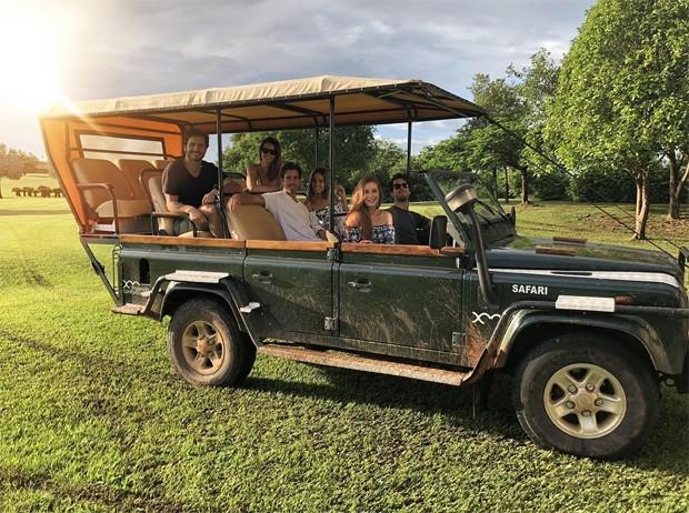 Marina Ruy Barbosa faz safári com marido e amigos (Foto: Reprodução/Instagram)