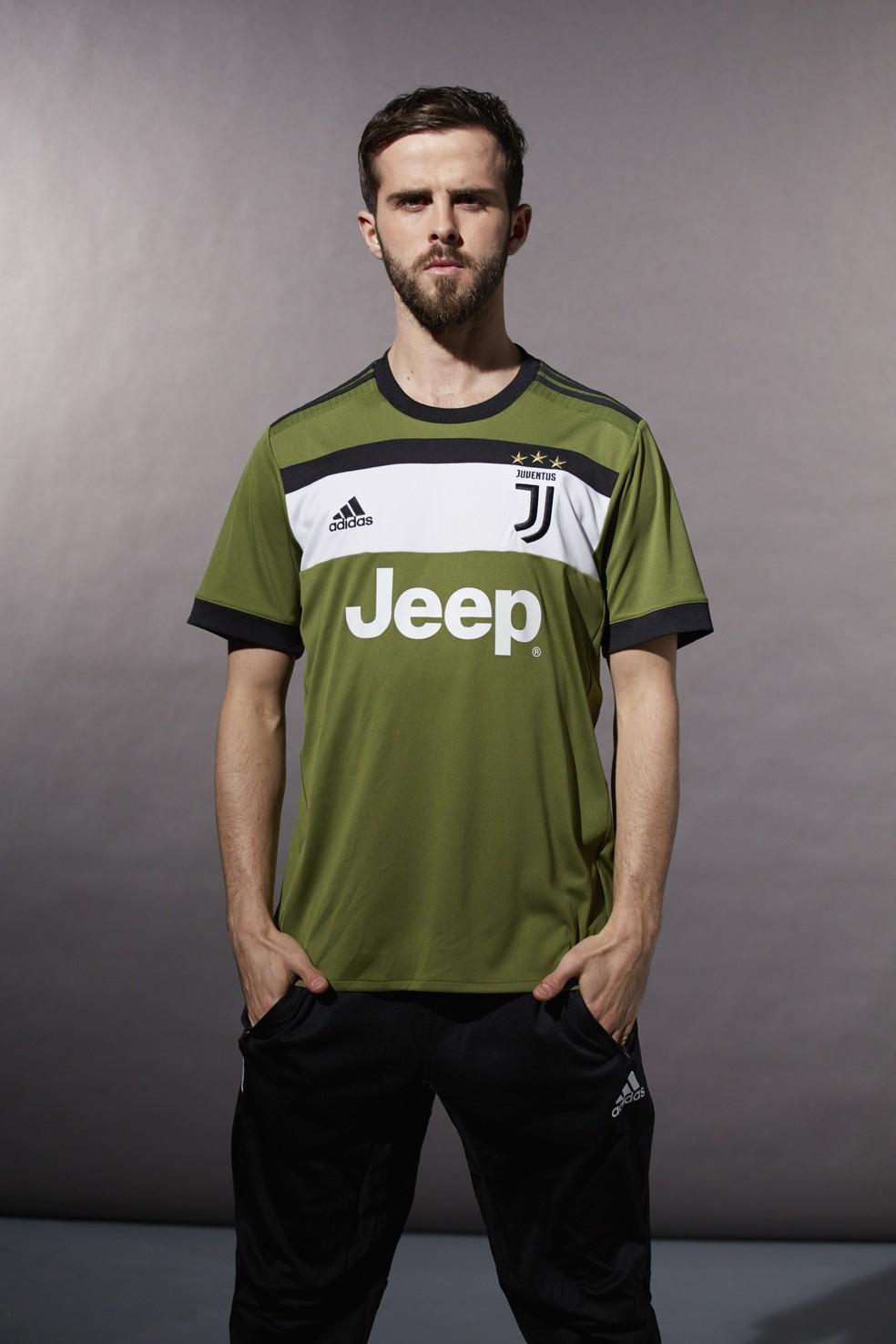 Terceiro uniforme da Juventus para temporada 2017/2018 — Foto: Divulgação