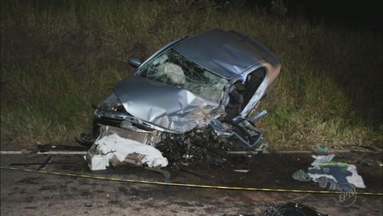 Polícia suspeita que motorista que bateu em táxi e causou mortes tenha ingerido bebida alcoólica em MG