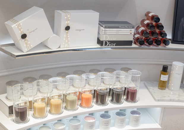 Velas, sabonetes e hidratantes na nova boutique da Dior em Guarulhos (Foto: Divulgação)