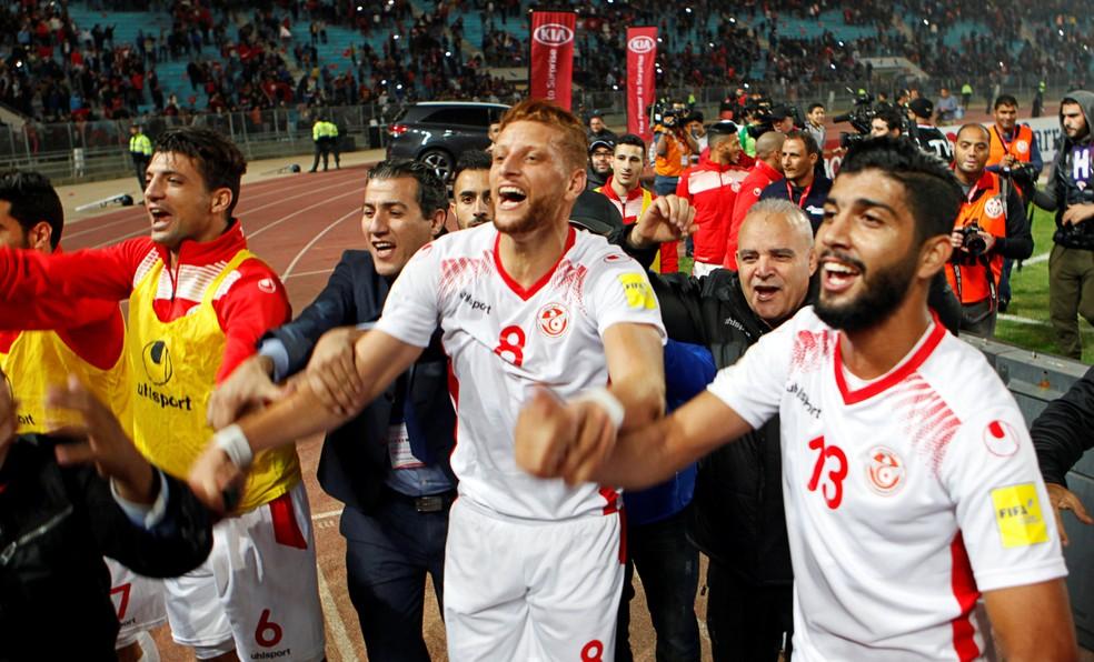 Jogadores da Tunísia comemoram a classificação para a Copa do Mundo (Foto: REUTERS/Zoubeir Souissi)