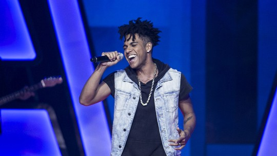 Internautas se surpreendem com Vinicius D'black no 'The Voice Brasil'