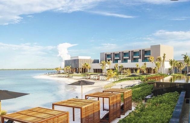O resort fica em Punta Nizuc, com linda vista para o mar (Foto: Reprodução/Instagram)