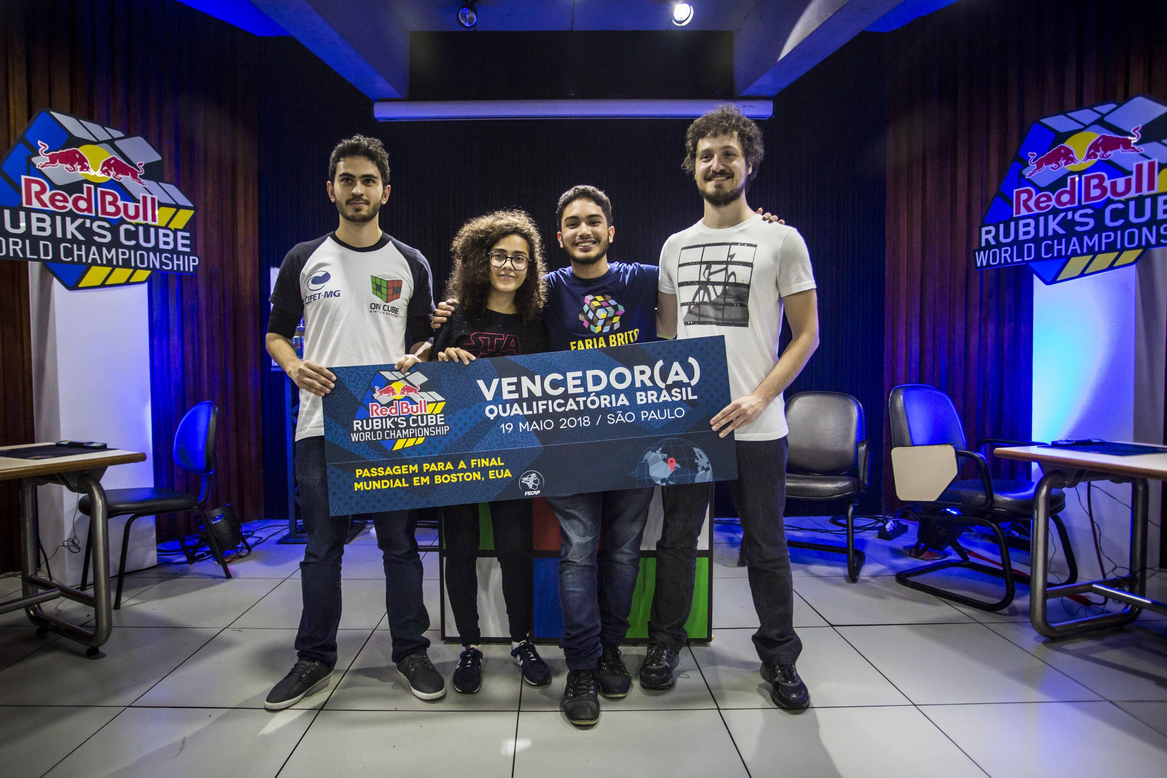 Vencedores da qualificatória nacional do Red Bull Rubik's Cube World Championship  (Foto: Divulgação)