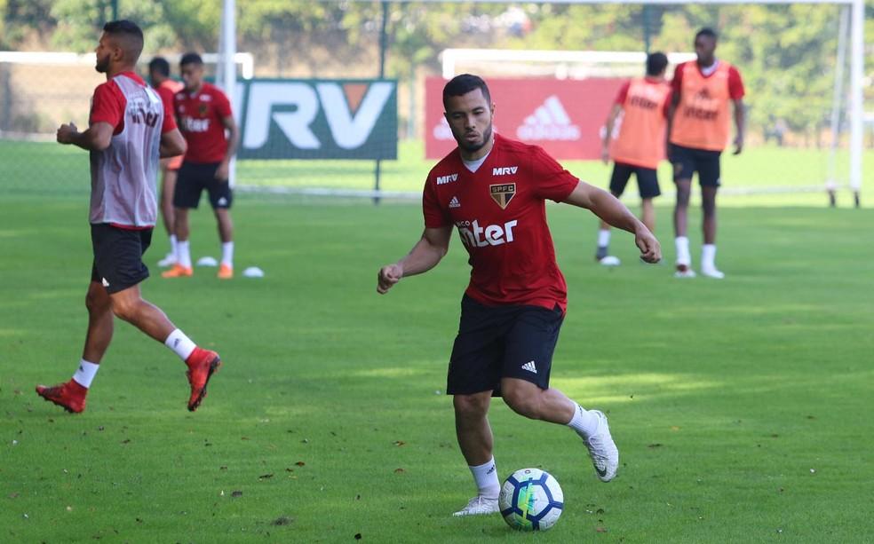 Morato durante treino do São Paulo (Foto: Rubens Chiri/saopaulofc.net)