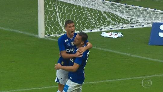 Cruzeiro faz dobradinha e leva os prêmios de gol e defesa mais bonita do Mineiro