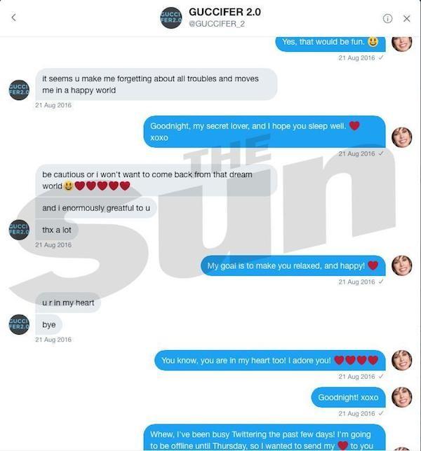 Parte da troca de mensagens divulgadas pelo jornal The Sun entre a atriz Robbin Young e o perfil pertencente aos espiões russos que influenciaram nas eleições presidenciais dos EUA (Foto: Reprodução)