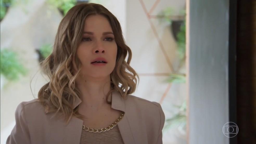 Jéssica (Karen Junqueira) se revolta ao ser humilhada por Felipe (Marcos Pitombo) - 'Haja Coração' — Foto: Globo