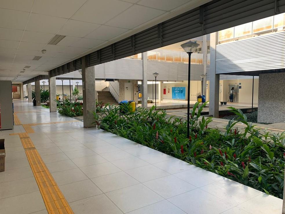 UnB, campus Ceilândia; imagem feita na manhã desta quarta-feira (15) — Foto: Geraldo Becker/TV Globo