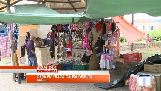 Obra na praça da rodoviária deve retirar comerciantes do local em Atibaia, SP