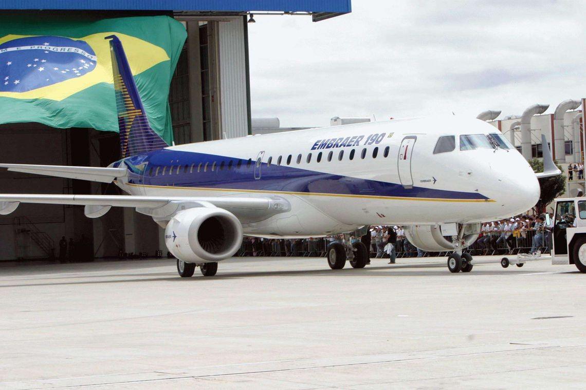Avião da Embraer (Foto: Antonio Milena/Agência Brasil)
