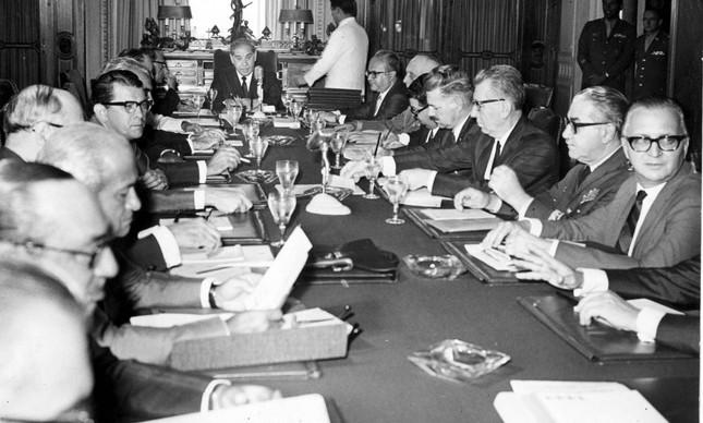 Reunião do Conselho de Segurança após edição do AI-5, em dezembro de 1968