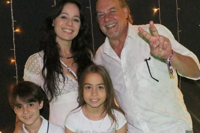 Claudia Mauro, Paulo César Grande e os filhos, Pedro e Carolina (Foto: Reprodução/Instagram)