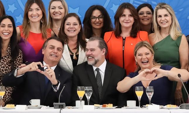 Bolsonaro, Dias Toffoli e a bancada feminina no Planalto