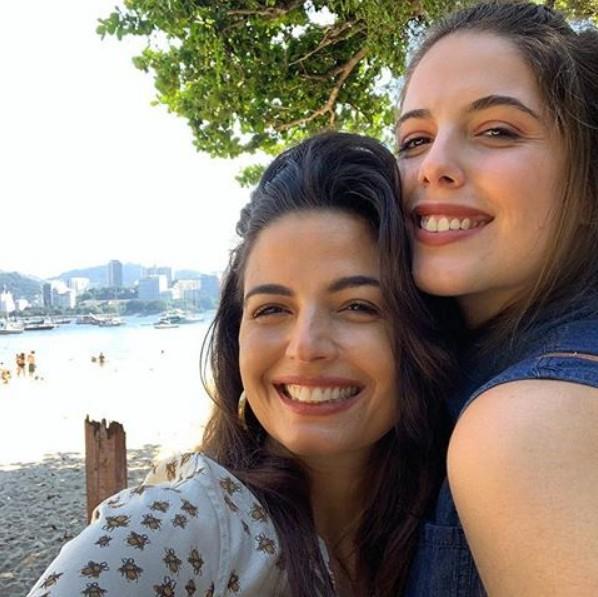 Emanuelle Araújo e a filha, Bruna (Foto: Reprodução/ Instagram)