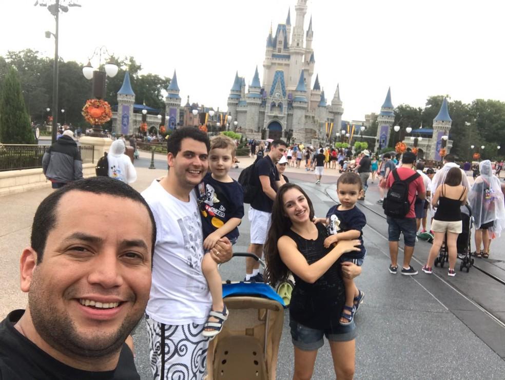 Amigos se programaram para ficar uma semana em Orlando, mas decidiram encurtar a estadia e seguir para Nova Orleans com a chegada do furacão (Foto: Jorci Jpunior/Arquivo pessoal)