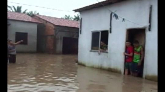 Forte chuva em Bragança causa transbordamentos de rios e deixa 500 casas alagadas