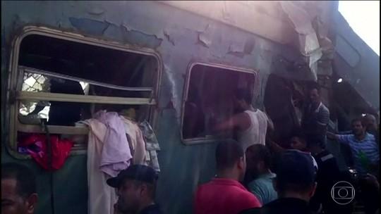 Acidente de trem no Egito deixa mortos e feridos