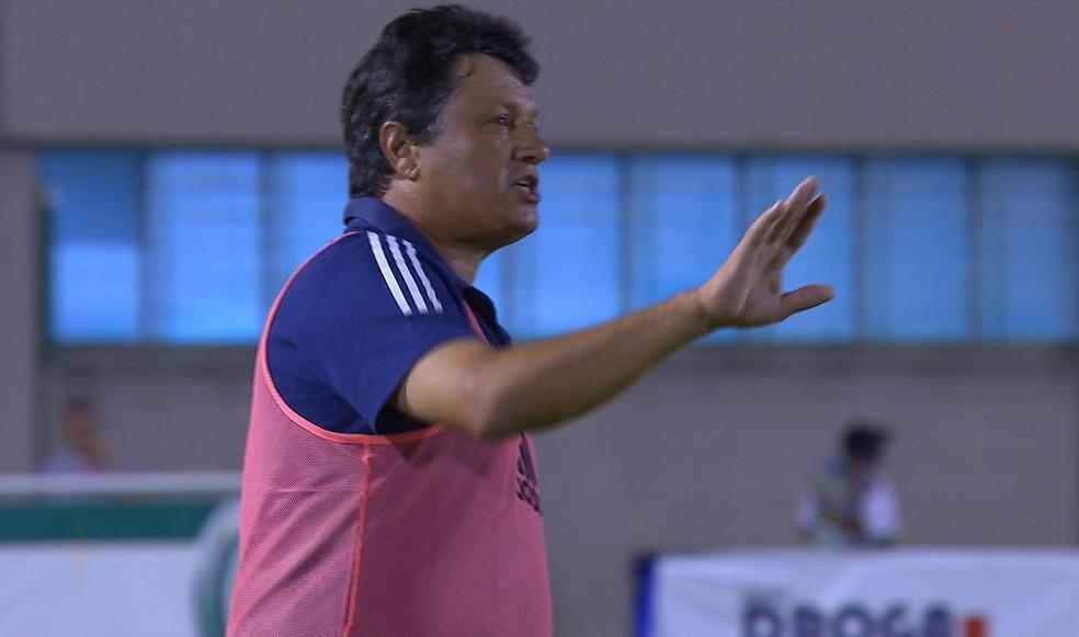 Adilson Batista exaltou os jogadores do Cruzeiro em virada sobre o Tupynambás — Foto: Reprodução SporTV