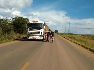 Alguns motoristas registraram boletim de ocorrência, alegando extorsão (Foto: Polícia Rodoviária Federal/Divulgação)