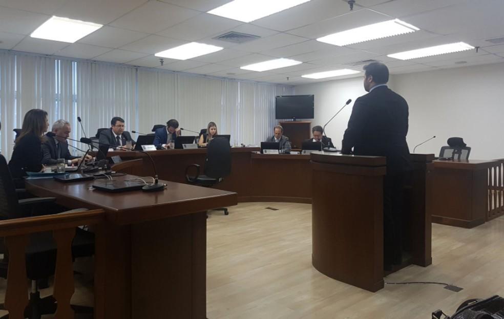 Macaca foi julgada nesta segunda-feira na sede do STJD (Foto: Marcelo Baltar)